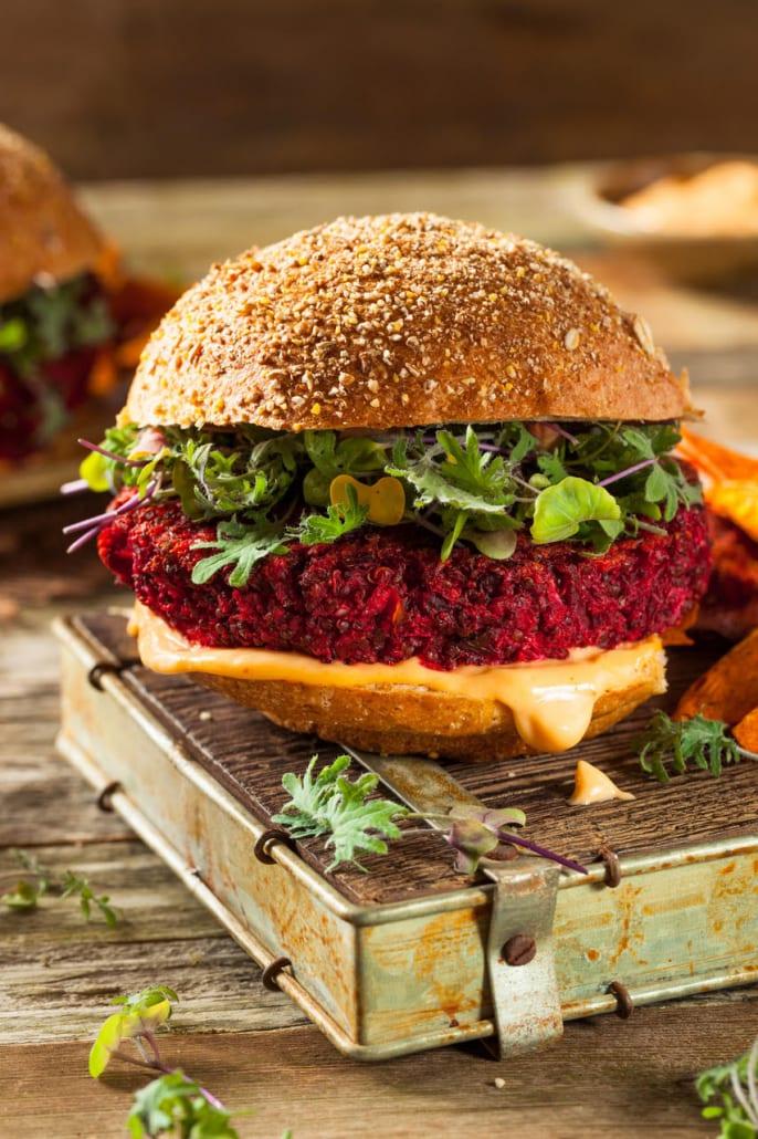 hamburguer vegano de beterraba e lentilha